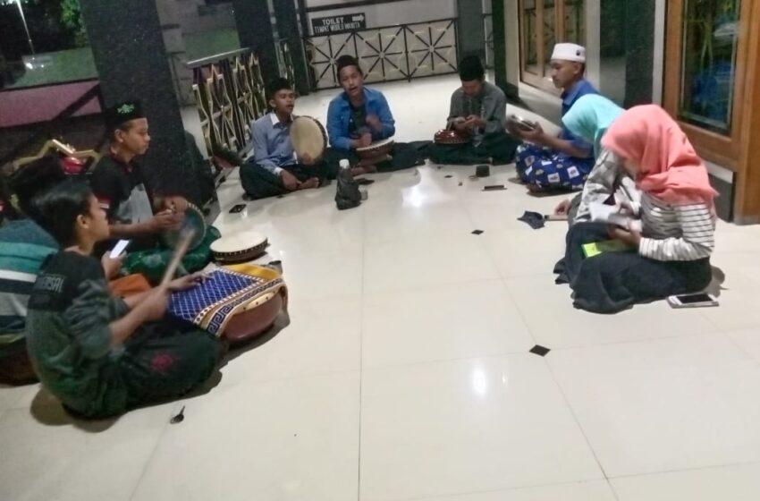 Tingkatkan Kemampuan Seni, IPNU/IPPNU Ranting Banjarejo Adakan Pelatihan Banjari