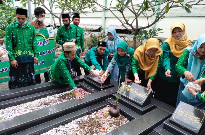 Jalin Hubungan Batin dengan Pendiri NU, PC Pergunu Nganjuk Gelar Ziarah