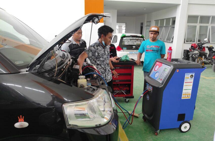 SMK Al-Khoiriyah Baron Gratiskan Ganti Freon AC Untuk Mobil Operasional NU