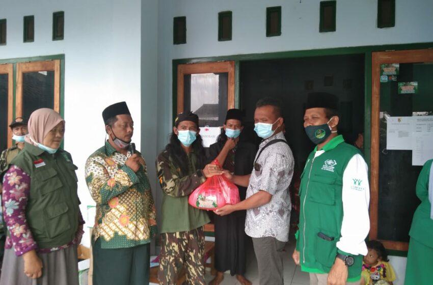 NU Peduli Nganjuk Salurkan 1.300 Paket Sembako untuk Warga Terdampak Longsor di Ngetos