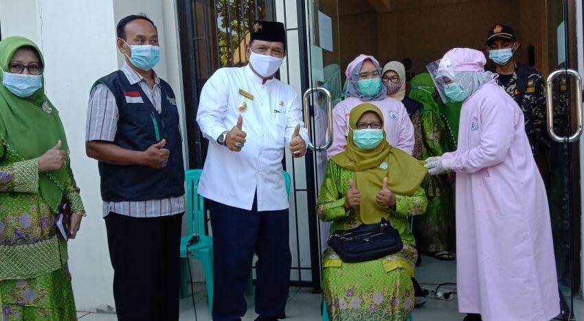 Wujudkan Herd Immunity, Pengurus Muslimat NU di Nganjuk Ikuti Vaksinasi